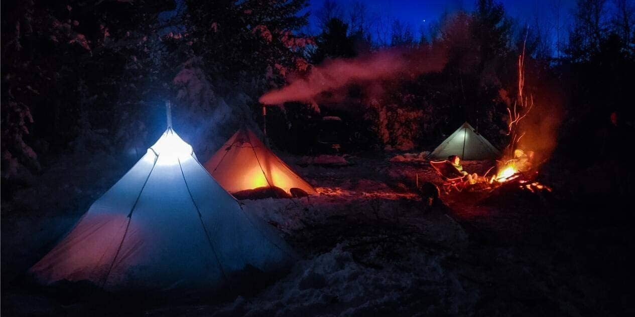 OneTigris Smokey Hut with stove jack hole