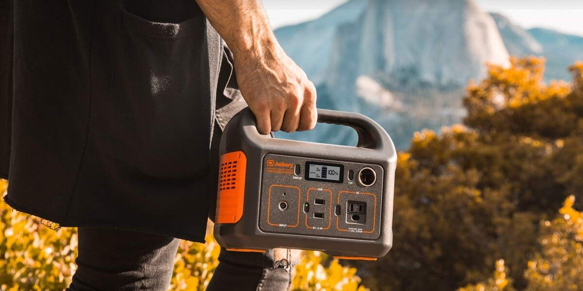 Best solar generator for camping: camp cleaner and smarter in 2020